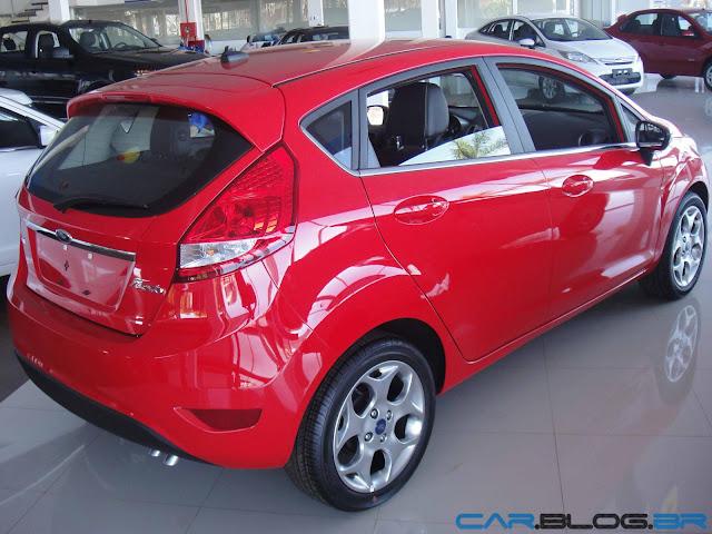 Ford New Fiesta Hatch 2013 SE - vermelho