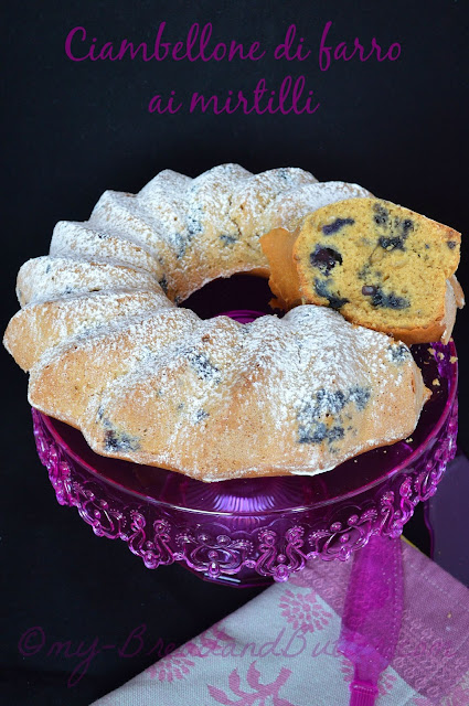 Cake with blueberries and organic spelt flour