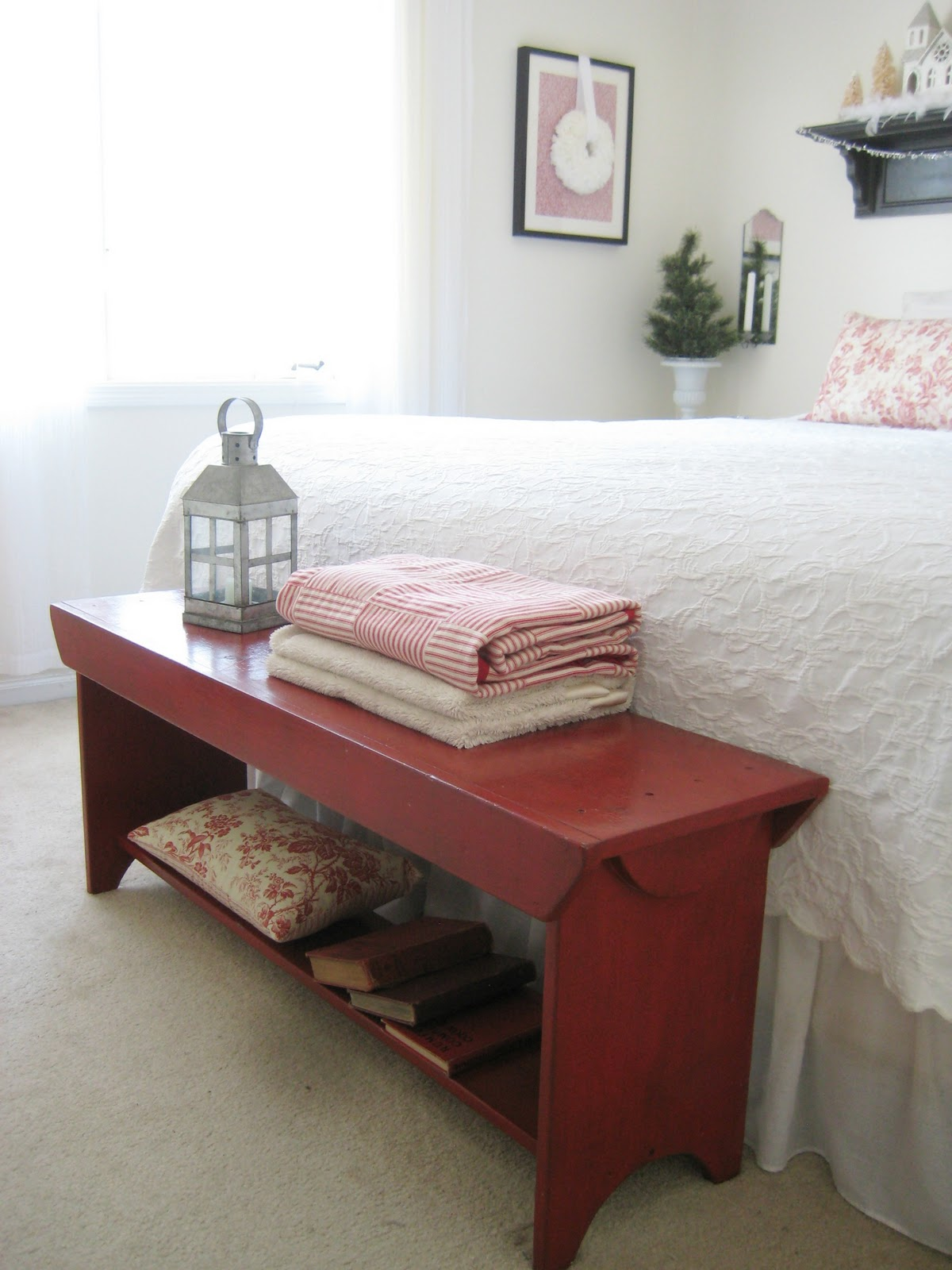 Happy At Home: Red and White Christmas Bedroom