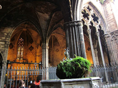 Gothic archs in the cloister of the Barcelona Cathedral