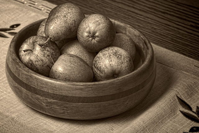 Apples and Pears in the Fruit Bowl