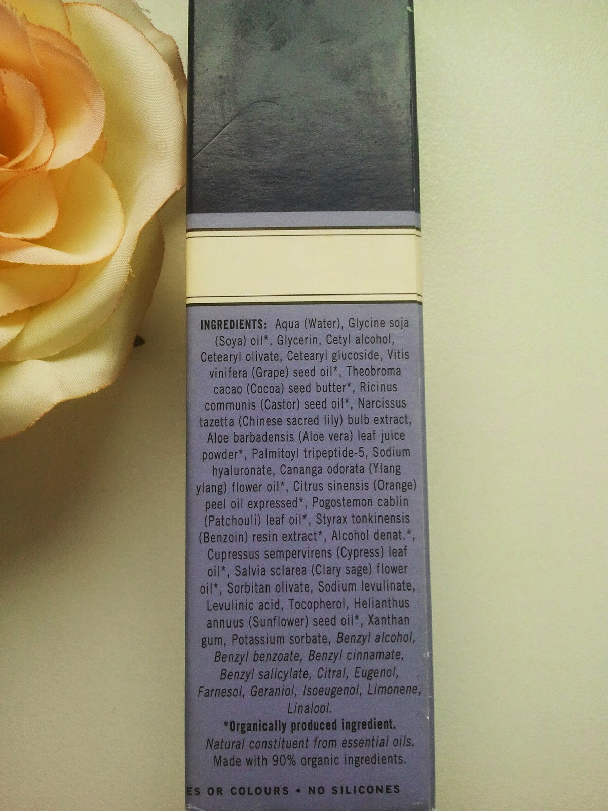 Neal's-Yard-Remedies-Beauty-Sleep-Concentrate-on-my-table-with-a-rose-ingredients