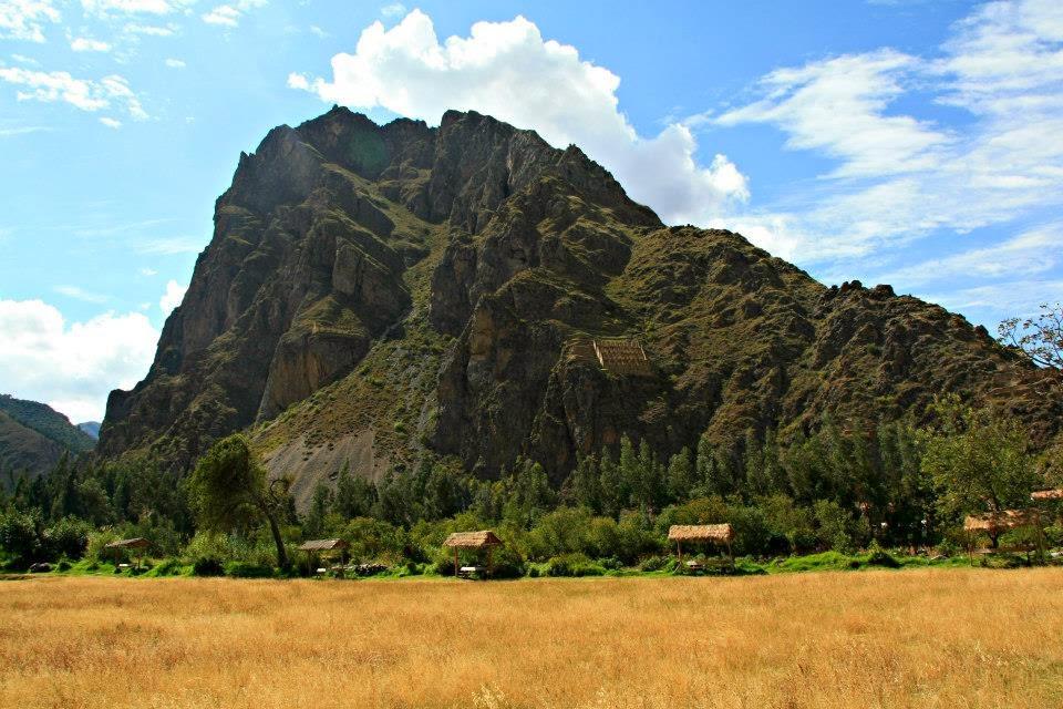 Montaña sagrada en Ollantaytambo.