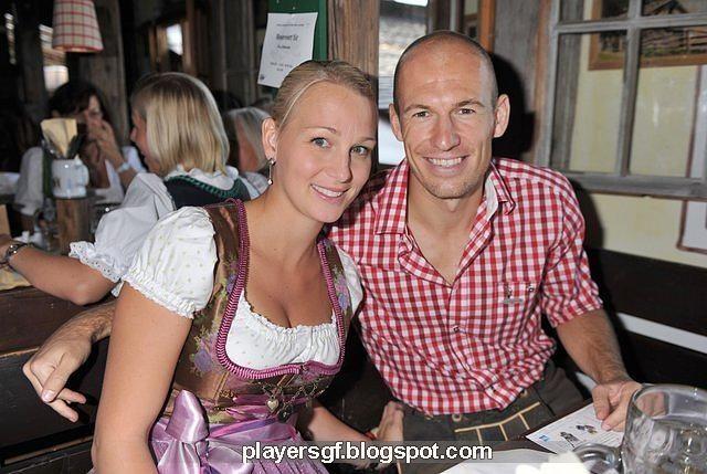 Arjen Robben met schattige, vrouw Bernadien Robben-Eillert