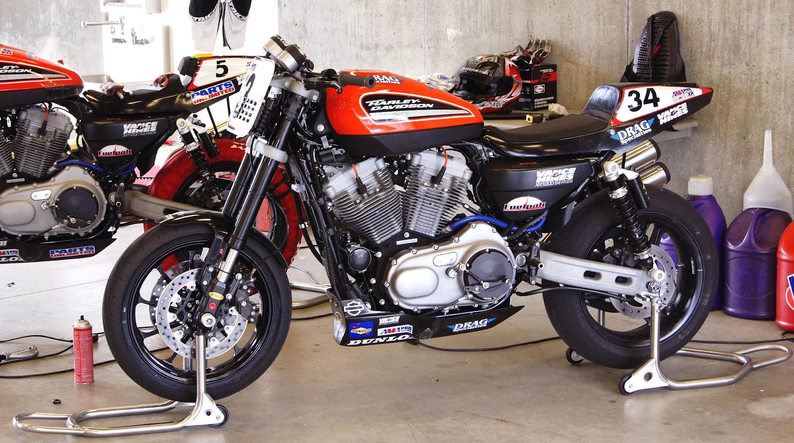 Stu's Shots R Us: AMA Road Racing: Harley-Davidson and Vance & Hines