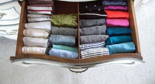 organizando la ropa