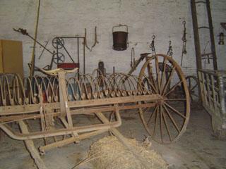 Herramientas antiguas agricolas mesa para la cama - Aperos agricolas antiguos ...
