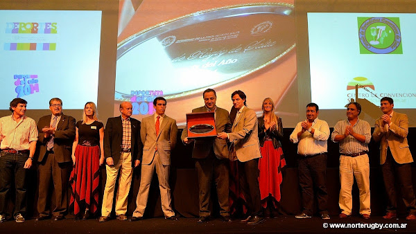 Mimessi recibe el premio a la mejor dirigencia de Salta del 2014