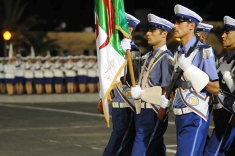 هذه التخصّصات المقبولة للالتحاق برتبة ملازم أول للشرطة 2014-polic4_68385466