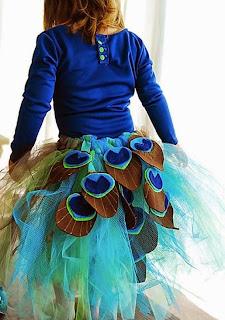 http://manualidades.facilisimo.com/blogs/mas-manualidades/un-lindo-disfraz-para-halloween_1213040.html