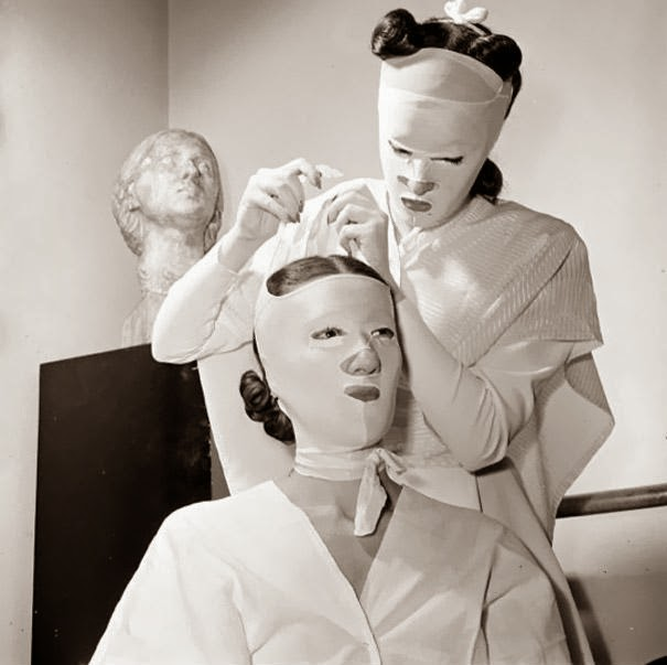 The riddles beauty procedures in the 1930s 40s for 1950 s beauty salon