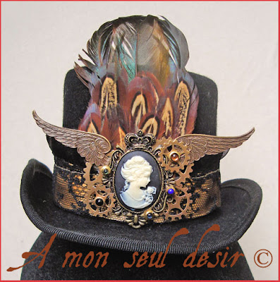 mini chapeau steampunk camée rouages ailes plumes coq faisan steampunk mini hat cameo wings gears feathers