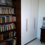 Um quarto escritório
