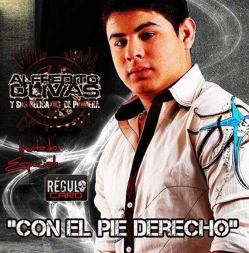 ALFREDO OLIVAS Y REGULO CARO - CON EL PIE DERECHO (2010)