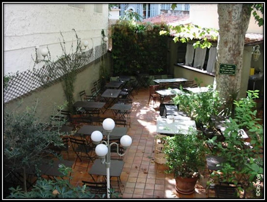 resto italien la Cantinetta Dame du Mont Marseille terrasse patio, où diner Marseille