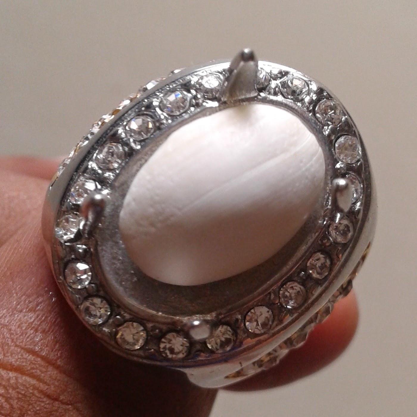 Batu Mustika Kelapa - Mustika Kelapa Bertuah _ Manfaat Batu Mustika Kelapa - Tuah Batu Mustika Kelapa