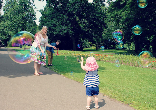 Bubbles in Abington Park