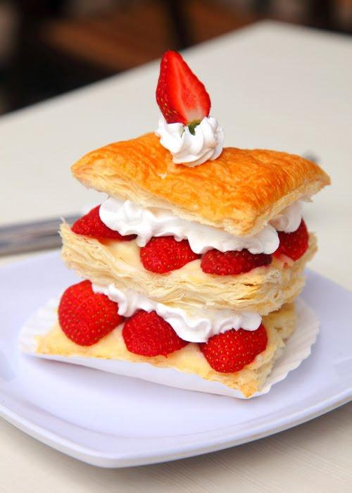 金马伦-草莓甜点