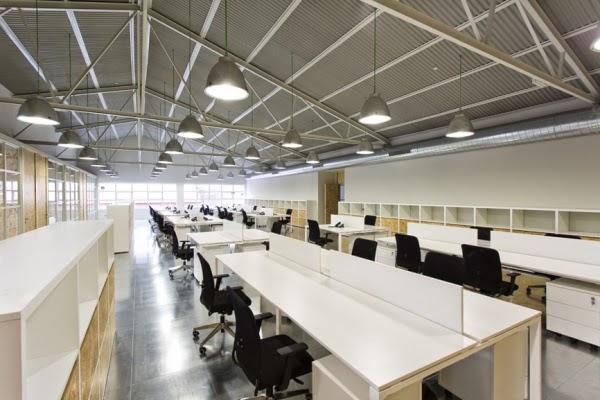 Oficinas de cacaolat pilar l bano studio blog for Diseno oficinas industriales