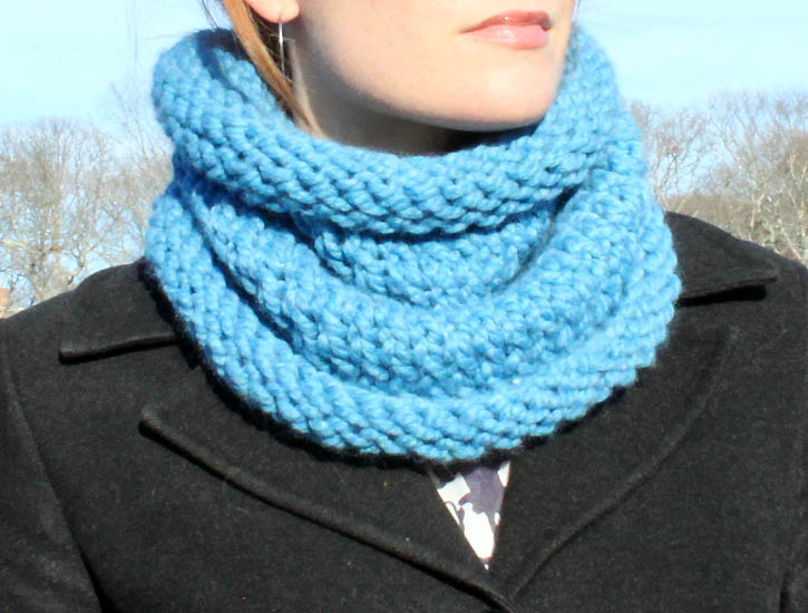 Knitted Cowl Pattern Using Bulky Yarn : diy chunky cowl [knitting pattern] - Gina Michele