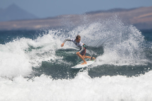 5 Nelson Cloarec FRA Lanzarote Teguise 2015 Franito Pro Junior Foto_WSL Gines Diaz