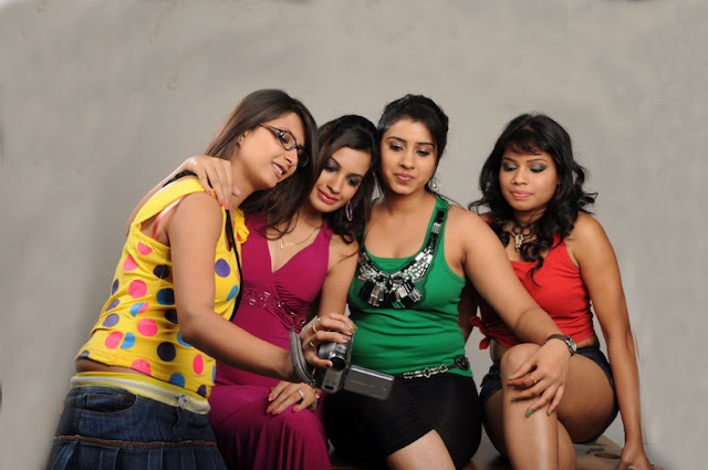 masti movie masti movie hot images