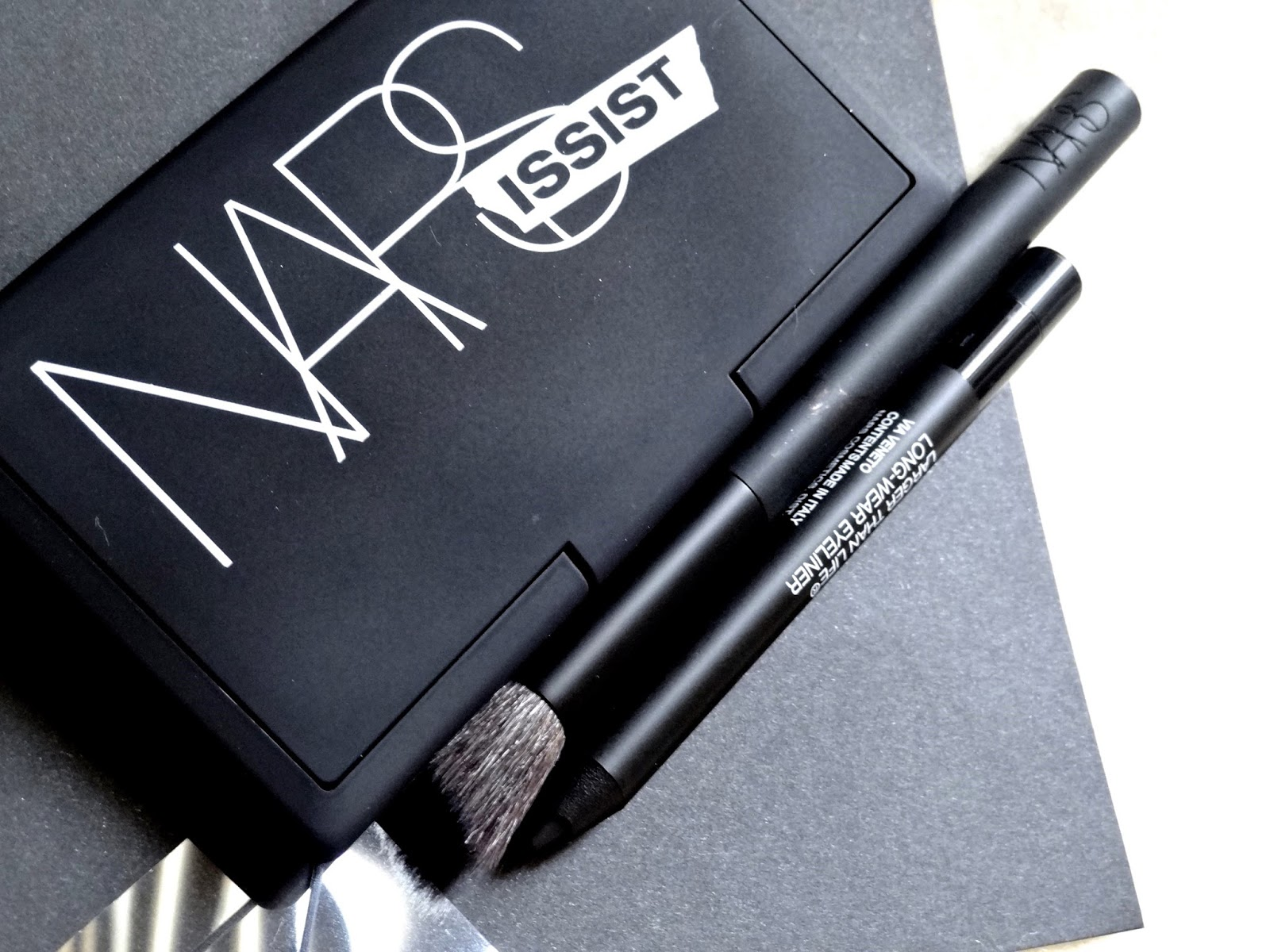 The NARSissist Smokey Eye Kit Review, Photos & Swatches