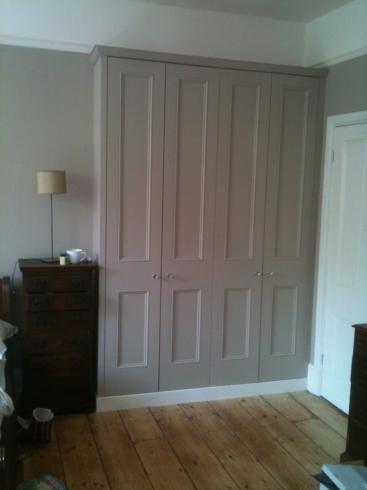 Carpenter in brighton brighton carpenter fitted wardrobes Pictures of built in wardrobes