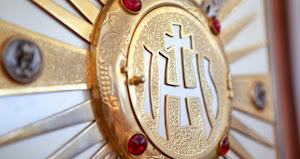 TEN WAYS TO FALL IN LOVE WITH THE EUCHARIST - THE MOST BLESSED SACRAMENT