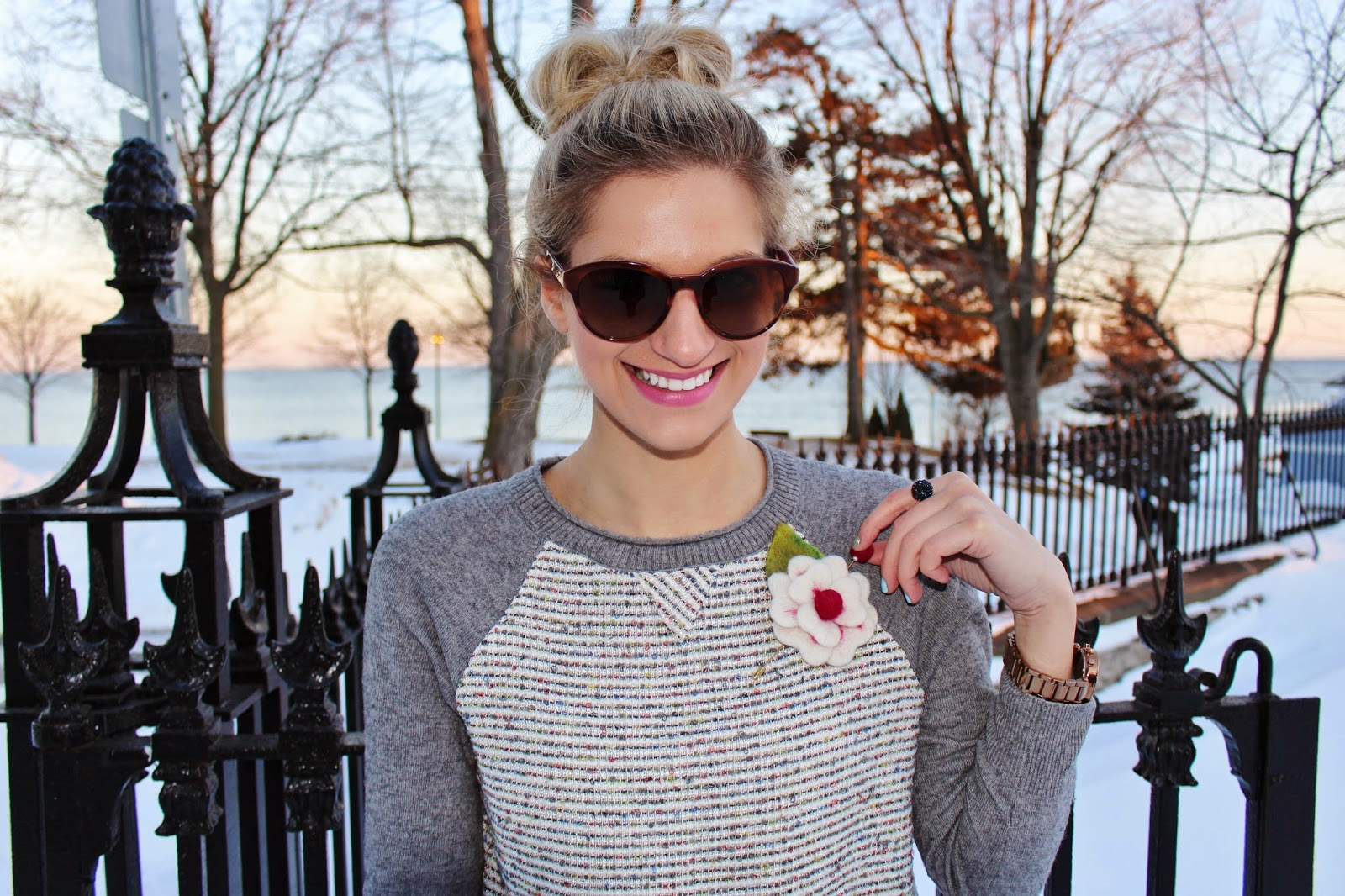 JCrew sweater flower pin, bijuleni