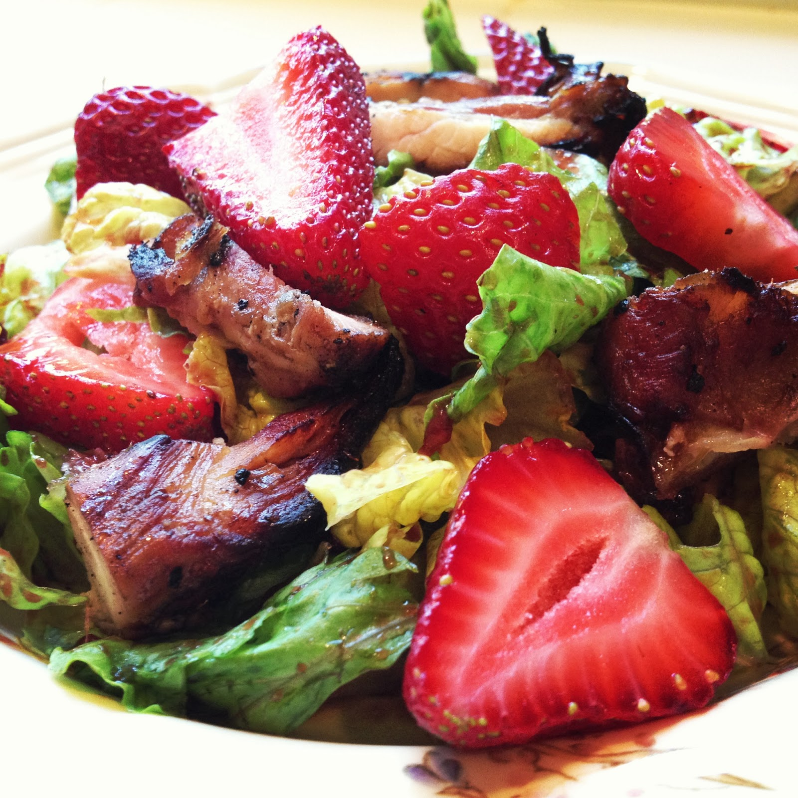 baubles and baked goods: strawberry balsamic salad with chicken