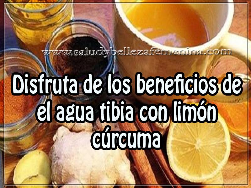 Bebidas para adelgazar , disfruta de los beneficios de el agua tibia con limón  cúrcuma