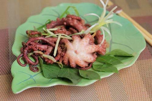 Vietnamese Food Culture - Bạch Tuộc Hấp Hành