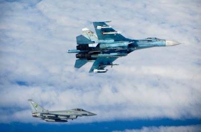 Typhoon intersep Su-27