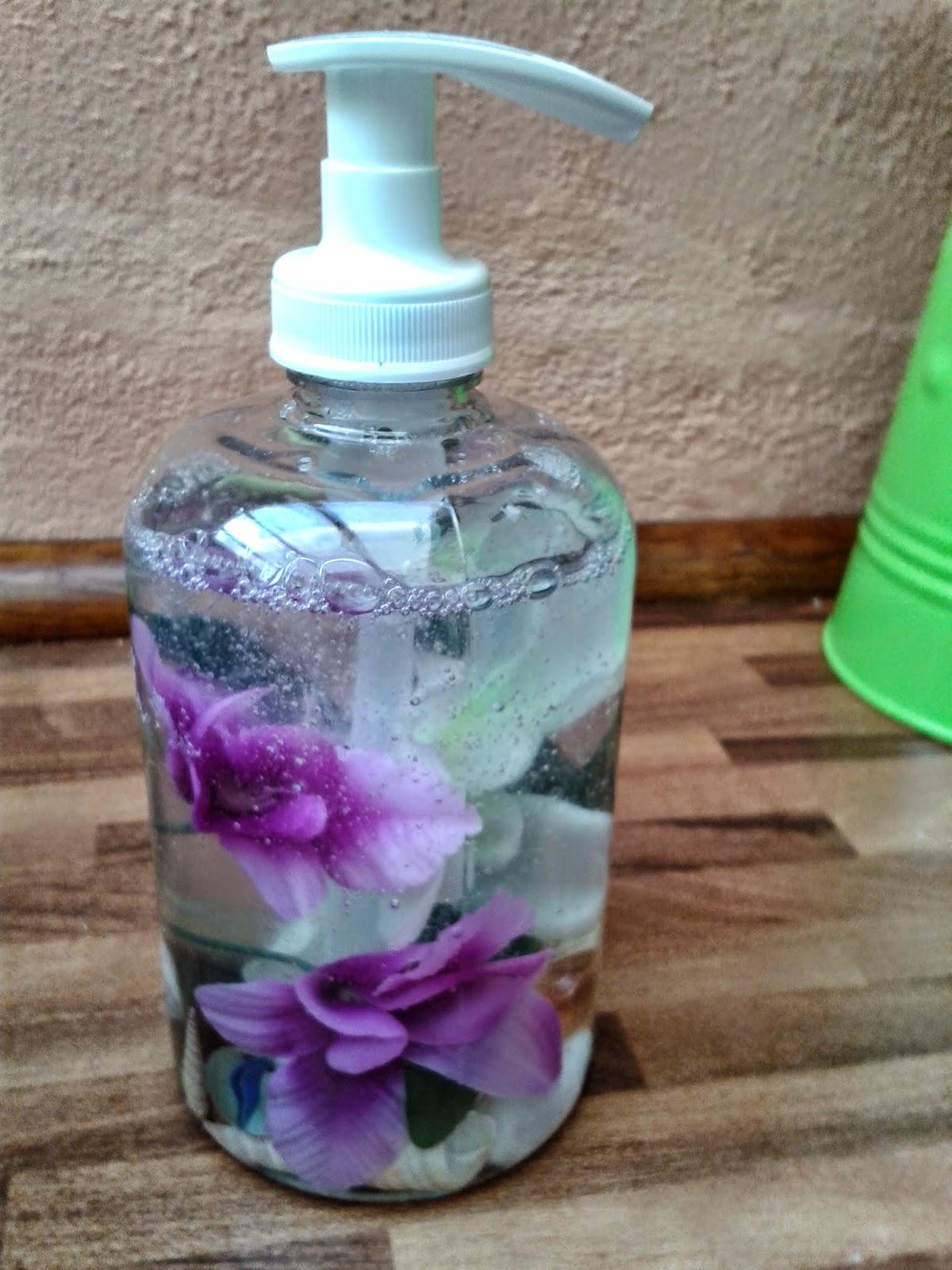 Pgaso13 dispensador de jab n reciclado for Dispensador de jabon
