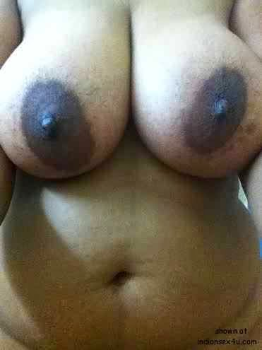 naked topless big boobs desi housewife picture   nudesibhabhi.com