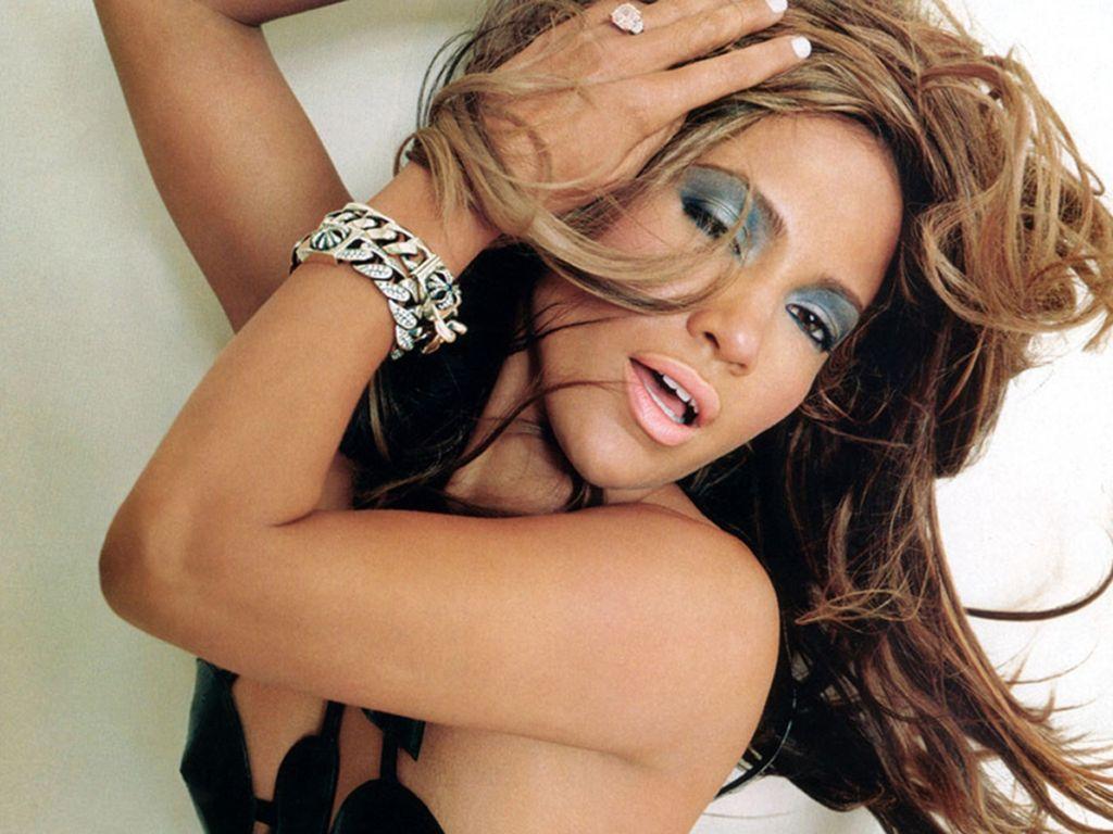 http://2.bp.blogspot.com/-NrS4U0wPfoQ/TqrUDOMVk3I/AAAAAAAABXs/rHR-H6fXCFM/s1600/Jennifer_Lopez_Artistic.jpg