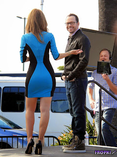Maria Menounos   Wearing a Sexy Blue Dress on the Extra 1.jpg