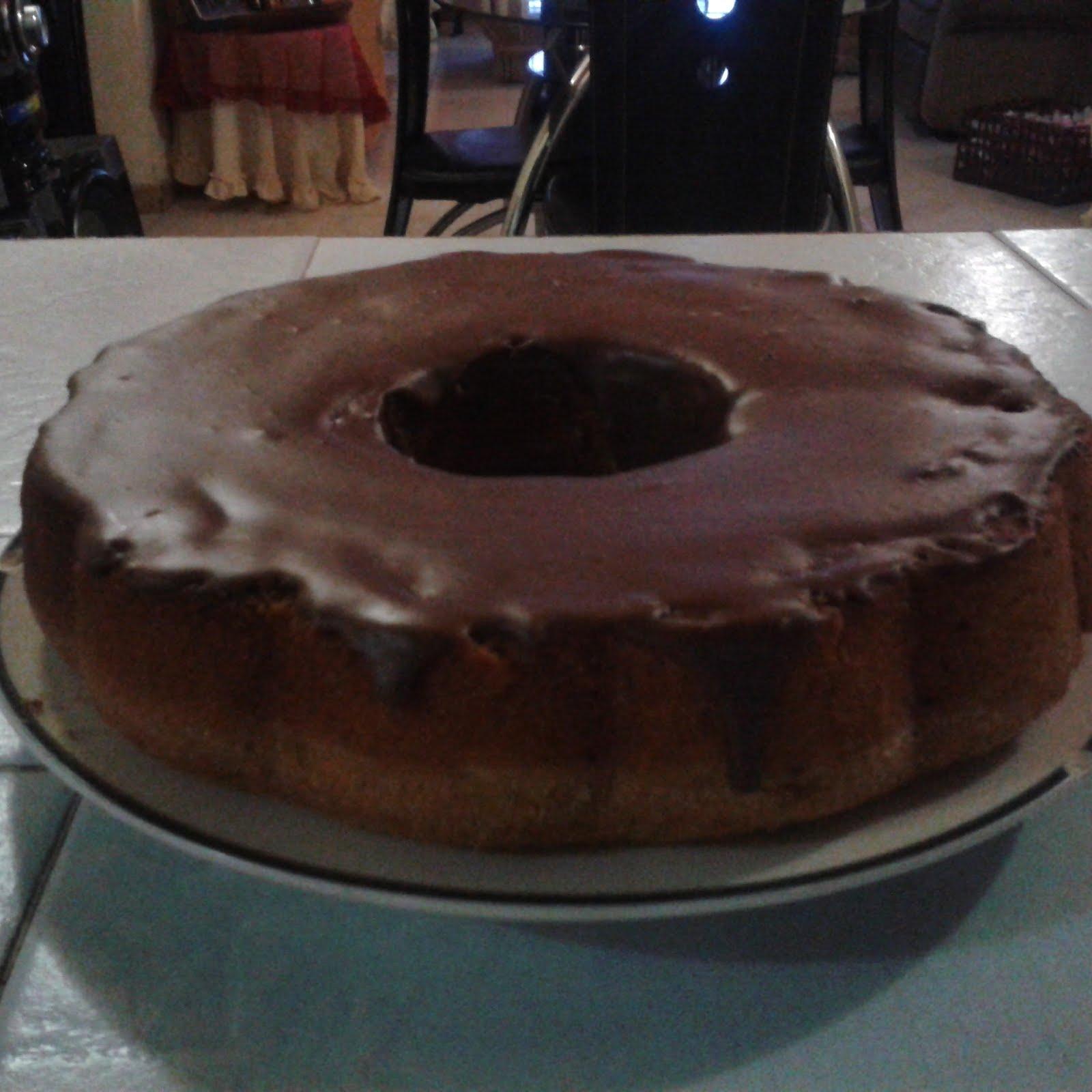 torta de vainilla cubierta de chocolate