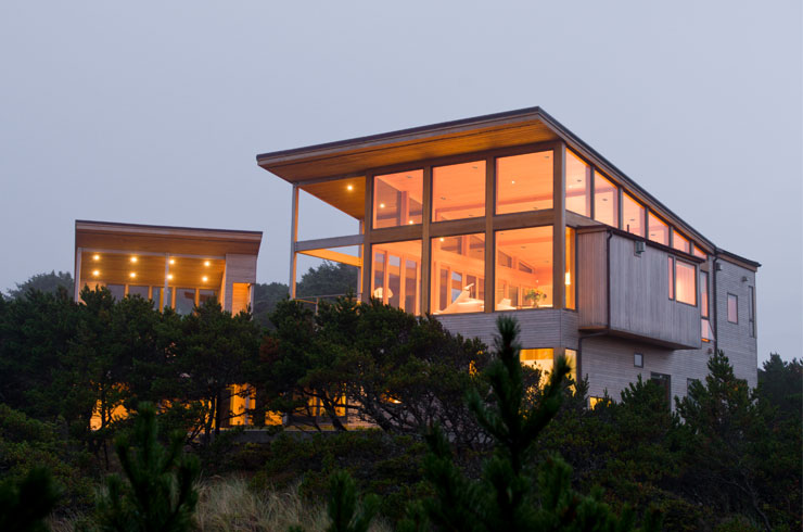 Neocribs modern vernacular weekend retreat oregon coast for Coastal contemporary homes