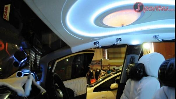 Honda Jazz '10 : Perpaduan Minibar