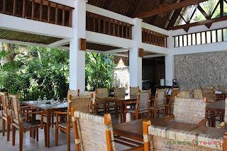 Puerto Galera Buri Resort & Spa Mango Tours al fresco dining restaurant