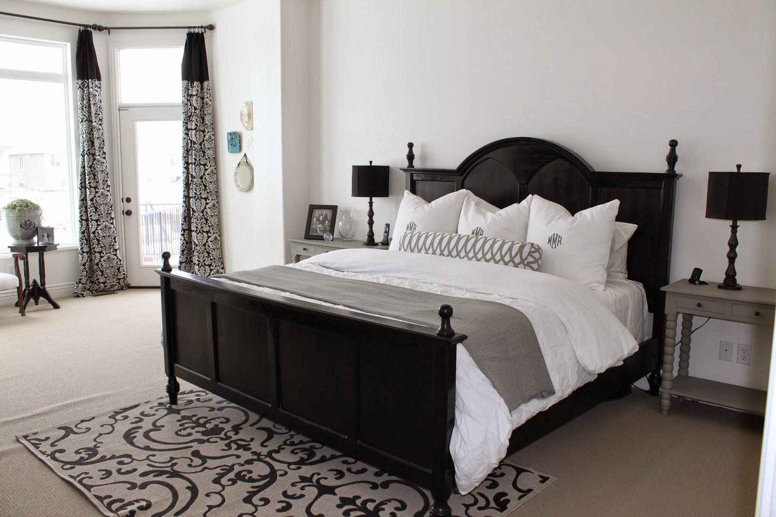 Amy's Casablanca: Master Bedroom Sitting Area