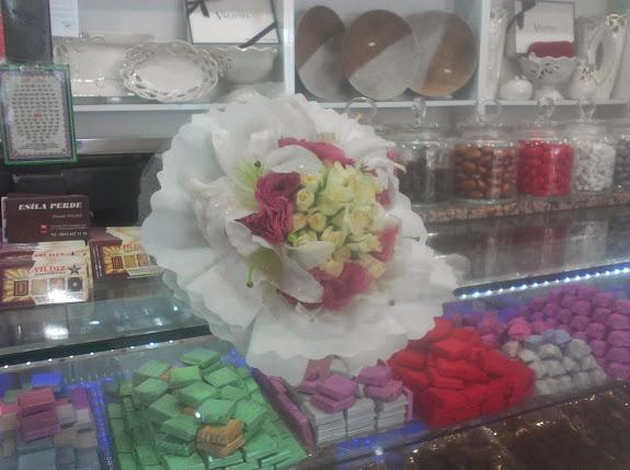 sultangazi çiçekçi gelin buketi.