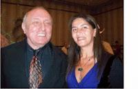 Andrea Suárez Delle Donne junto a Richard Bandler en Méjico