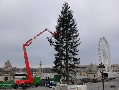 Christmas preparation at Place de la Concorde