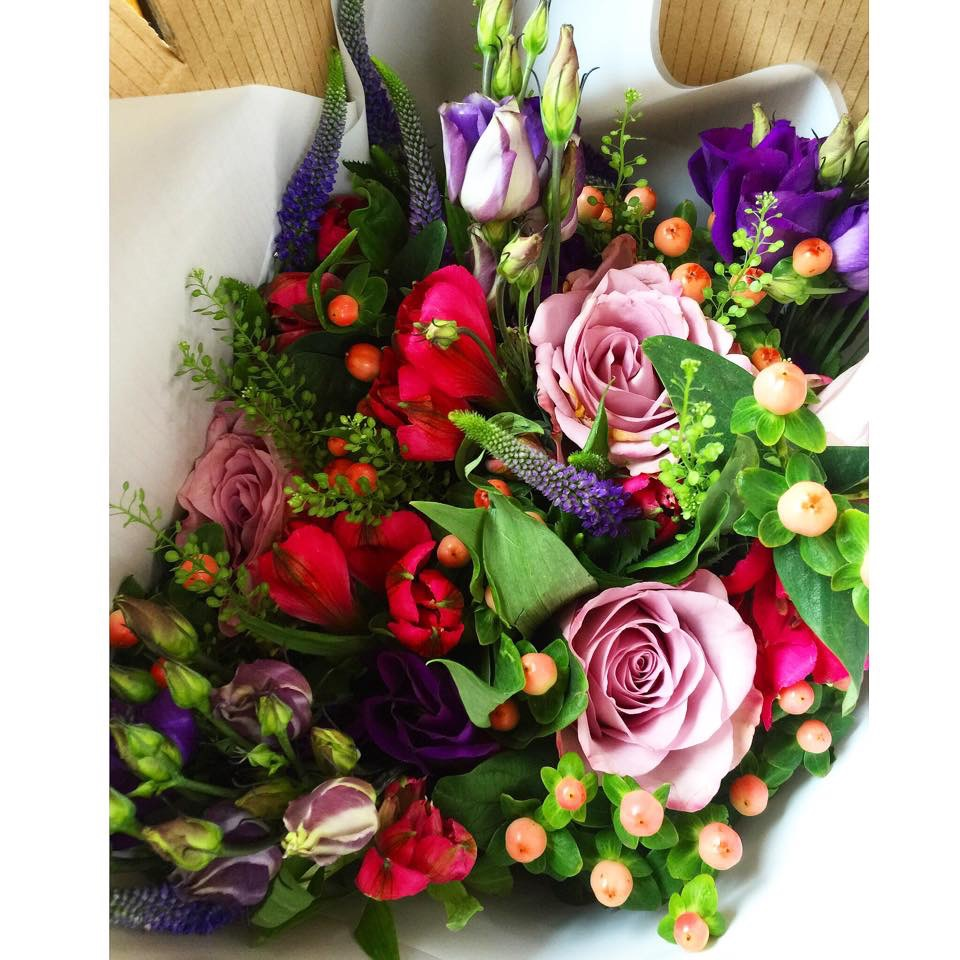 Busybee uk crafty talipes baby and lifestyle blog blossoming the flowers arrived in a beautiful box izmirmasajfo