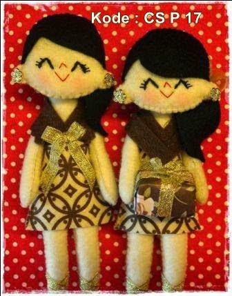 Untuk pacar ultah kebaya souvenir kado hadiah boneka unik lucu baju