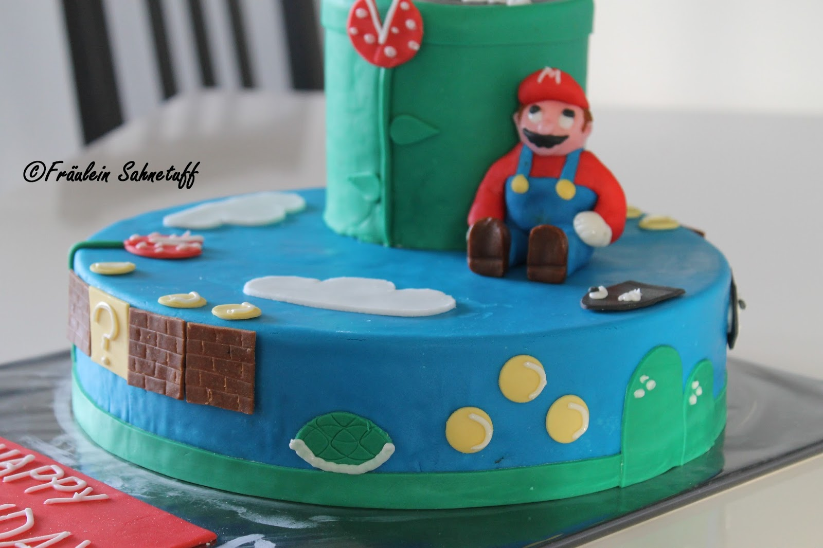 fr ulein sahnetuff super mario torte zum 30 geburtstag. Black Bedroom Furniture Sets. Home Design Ideas