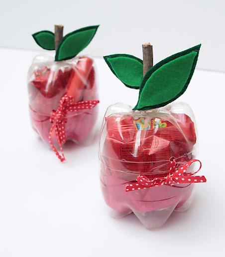 Maçãs feitas com garrafas pet para lembrancinhas